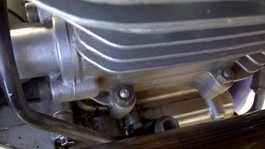 Leaking cam chain tensioner gasket - www DRRiders com