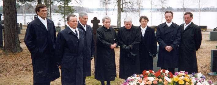 pukeutuminen hautajaisiin Kuopio